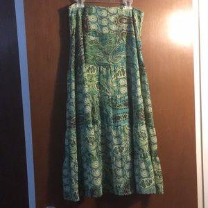 Patterned green skirt